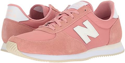 New Balance  WL220  women's Shoes (Trainers) in Pink