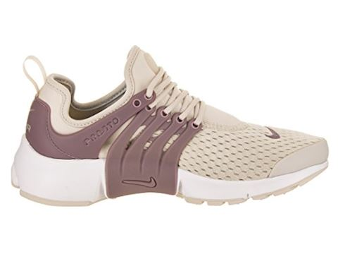 Nike  AIR PRESTO W  women's Shoes (Trainers) in BEIGE Image 5