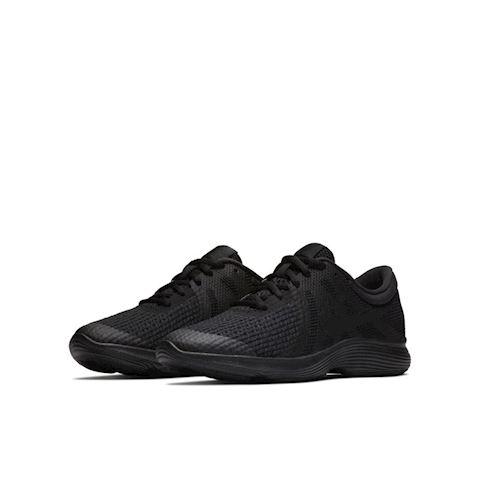 Nike Revolution 4 Older Kids' Running Shoe - Black Image 2