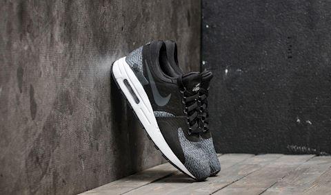 Nike Air Max Zero SE Older Kids' Shoe - Black Image