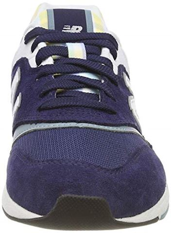 New Balance  WL697  women's Shoes (Trainers) in Blue Image 4
