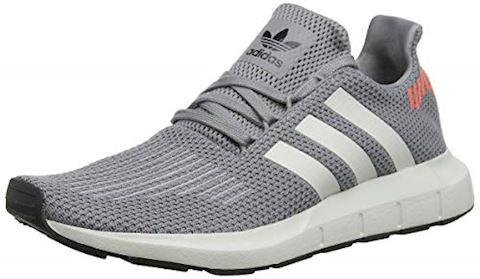 na stopach o spotykać się świeże style Sneakers Adidas-originals Swift Run