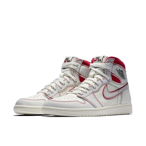 Nike Air Jordan 1 Retro High OG Shoe Cream