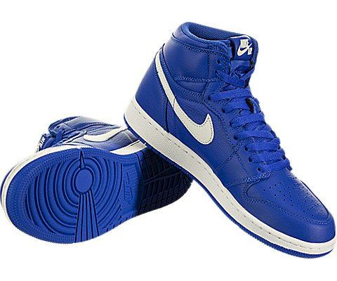 Nike Air Jordan 1 Retro High OG Older Kids' Shoe - Blue Image 3