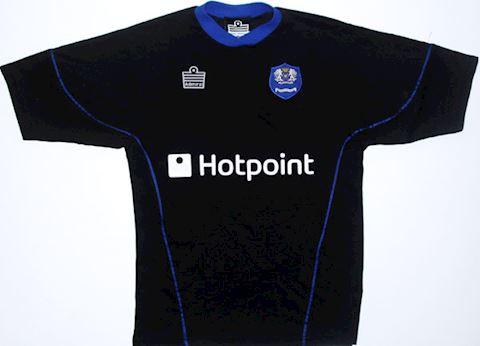 Peterborough United Mens SS Away Shirt 2004/06 Image