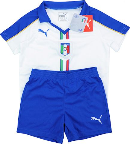Puma Italy Kids Away Shorts 2015 Image