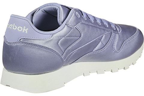 Reebok Classic  CLASSIC LEATHER SATIN  women's Shoes (Trainers) in Purple Image
