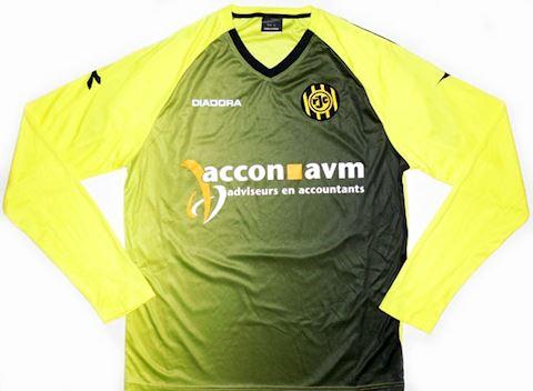 Diadora Roda JC Kerkrade Mens LS Goalkeeper Home Shirt 2010/11 Image